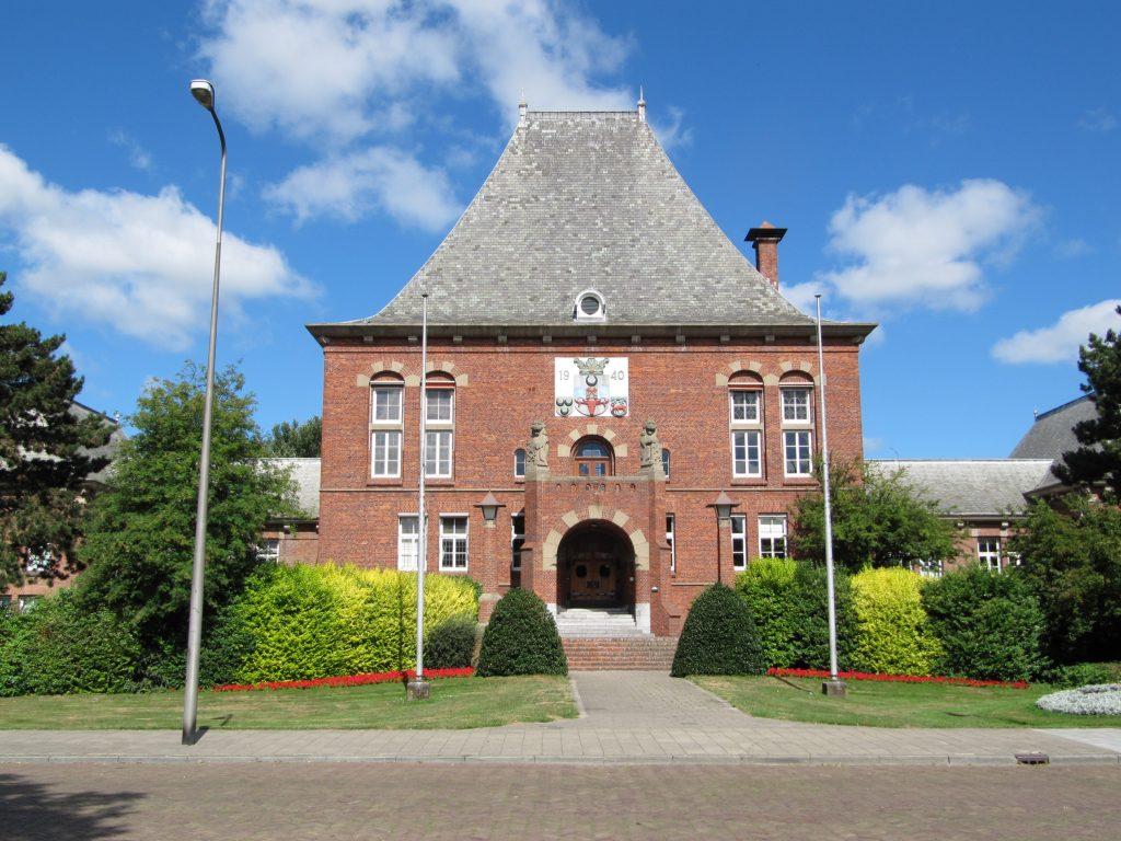 Renovatie Raadhuisplein 1