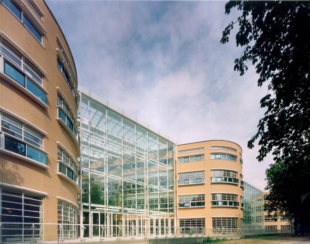 AKN Building