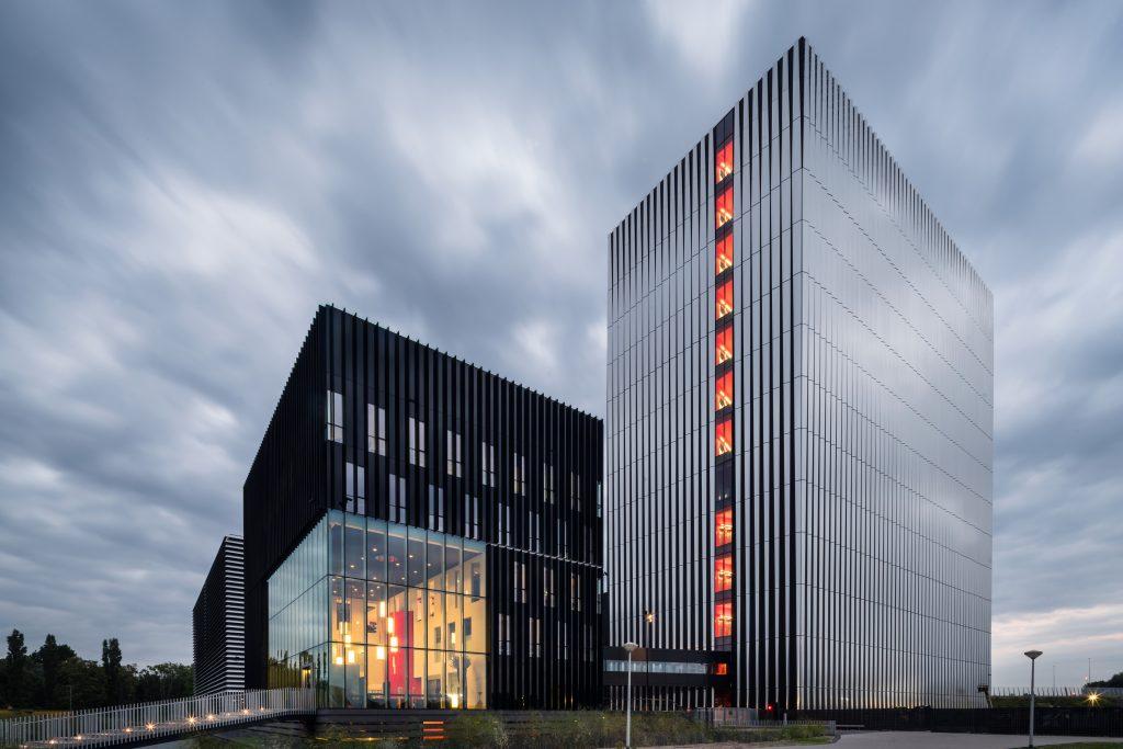 Datacenter AM4 Equinix